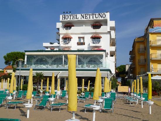 zona esterna hotel  Foto di Hotel Nettuno Jesolo  TripAdvisor