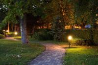 Garden by night - Bild von Sungarden Wellness & Conference ...