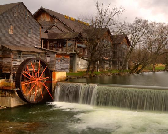 Gatlinburg In The Fall Wallpaper Orginal Mill With Restaurant Picture Of The Old Mill