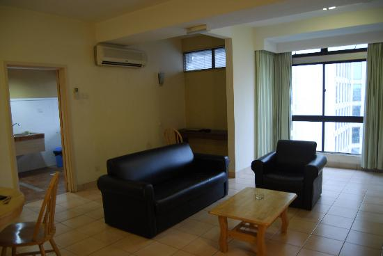 Kl Plaza Suites Kuala Lumpur Living And Dinning