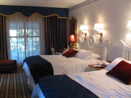Room Picture Of Disneys Yacht Club Resort Orlando