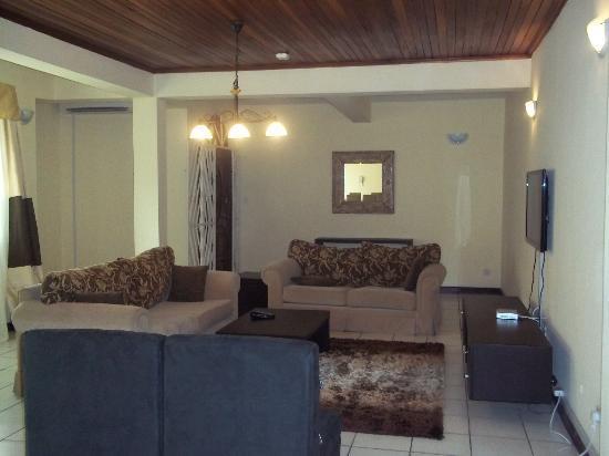 Iroko Interior Design Sa Private Residence Port Harcourt Nigeria Contemporary Living Room