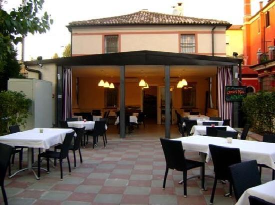 terrazza estiva  Foto di Ristorante Pizzeria Amici Miei