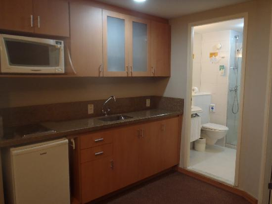 kitchen & bath height of bench room picture mercure guarulhos aeroporto hotel