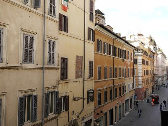 Via Frattina Picture Of Residenza Frattina Rome Tripadvisor
