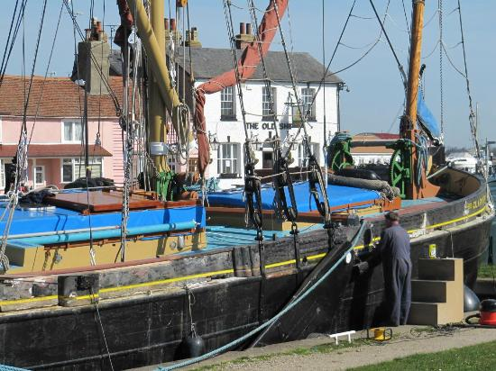 Images of Heybridge Basin - Attraction Pictures