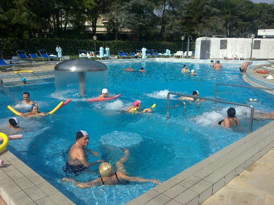 spendida giornata in piscina  Foto di Hotel Commodore