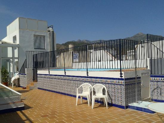 Rooftop plunge pool  Picture of Apartamentos Pepe Mesa