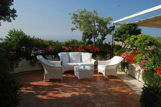 terrazza fiorita  Foto di Eurostars Hotel Excelsior