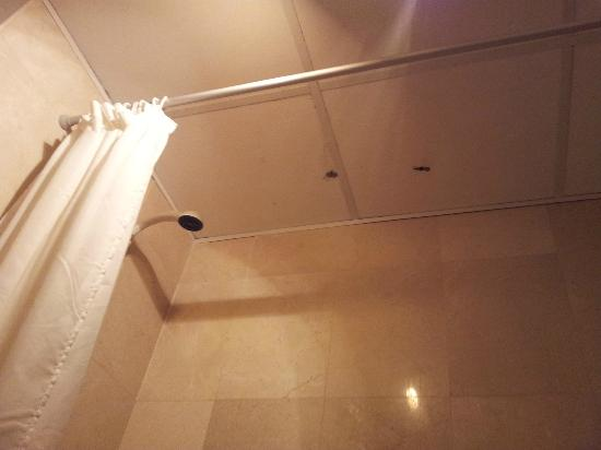 Holes In The Ceiling Picture Of Ibersol Villas Cumbres