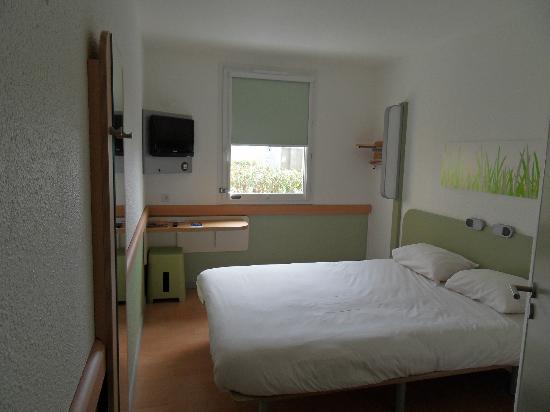 Chambre Double Picture Of Hotel Ibis Budget Marseille La