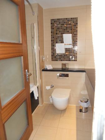 Bathroom Picture Of The Cheltenham Chase Hotel A Qhotel