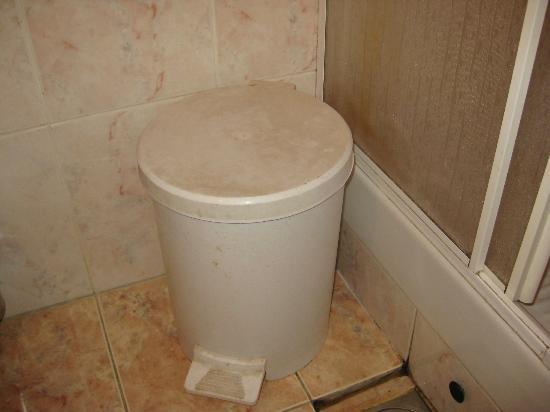 dirty trash bin  Picture of Sumarice Hotel Kragujevac