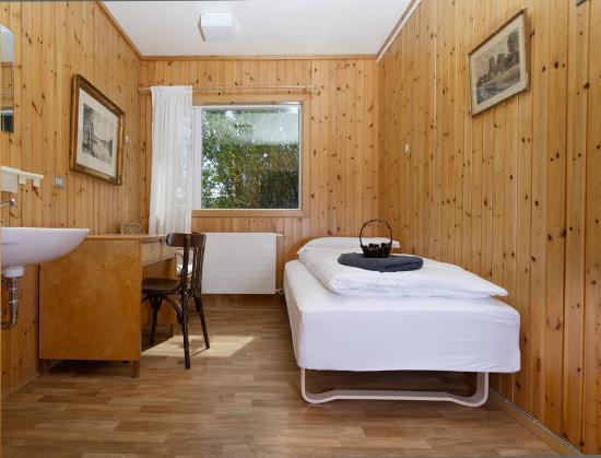 Tjaldanes Room for Rent  BB Reviews Mosfellsbaer
