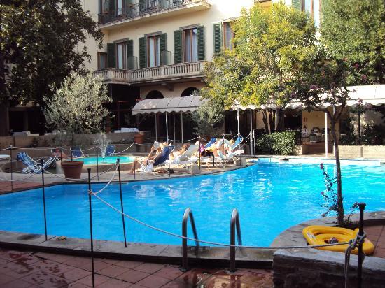 Cote Piscine Picture Of Hotel Croce Di Malta Florence