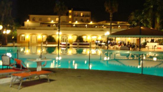 hotel visto dalla piscina  Photo de Blu Hotel Kaos Agrigente  TripAdvisor