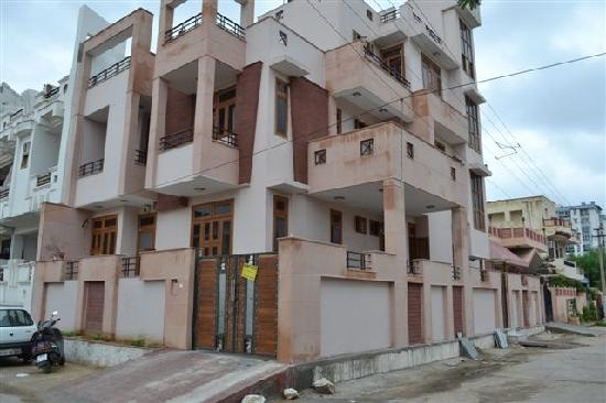 JAIPUR CENTRAL HOME STAY Rajasthan Guesthouse Reviews