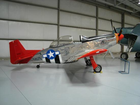 B17G  Picture of Commemorative Air Force Museum Mesa