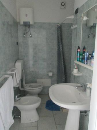 Bagno arredato da noi _  Foto di Residence Miramare