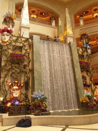 Wallpaper Falling Off Wall Fountain Inside Picture Of The Venetian Las Vegas Las