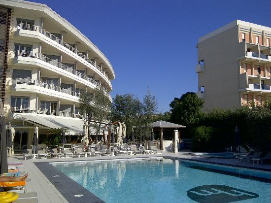 hotel e piscina  Foto di Hotel Mariver Jesolo  TripAdvisor