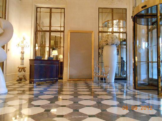 Lobby Picture Of Le Meurice Paris Tripadvisor