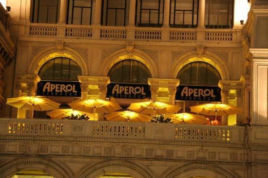 terrazza Aperol dalla piazza del Duomo  Foto di Terrazza Aperol Milano  TripAdvisor