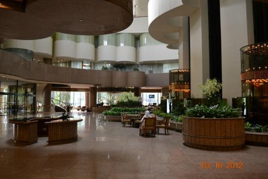 Hotel Lobby - Picture of Holiday Inn Singapore Atrium - Tripadvisor