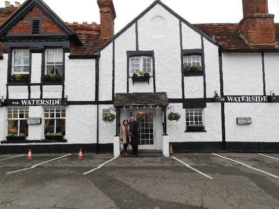 "<a href=""/Hotel_Review-g528798-d531303-Reviews-The_Waterside_Inn-Bray_on_Thames_Berkshire_England.html"">The Waterside Inn</a>: Pictures"