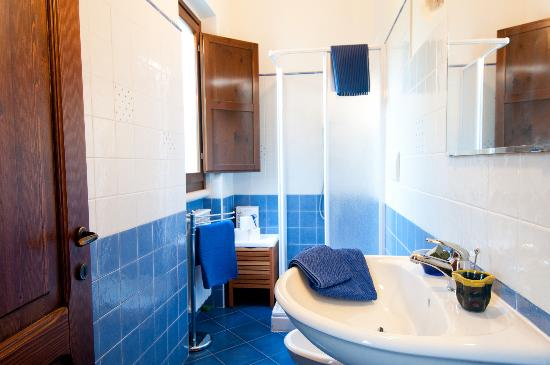 bagno azzurro  Foto di Casa dellOrto San Vito Chietino  TripAdvisor