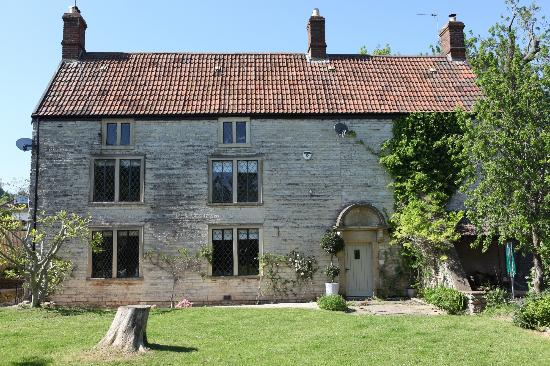 Welton Old Farmhouse  Prices & Reviews (bath, England