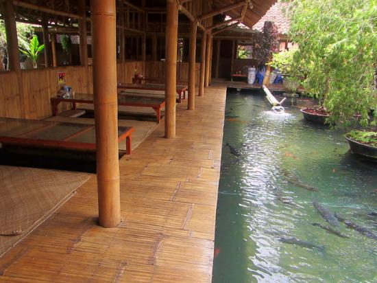 Waroeng Bamboe Batu  Ulasan Restoran  TripAdvisor
