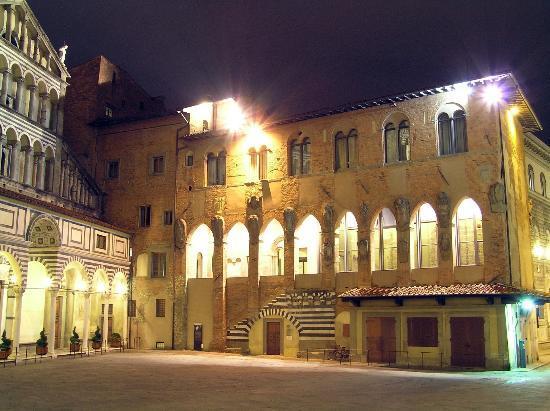Palazzo dei Vescovi  Pistoia  Recensioni su Palazzo dei Vescovi  TripAdvisor
