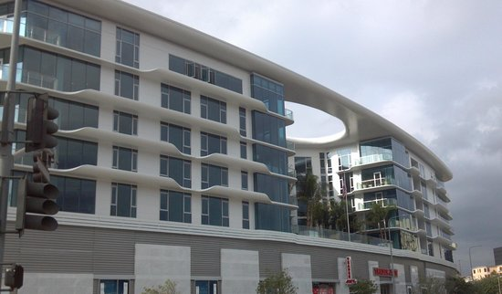 Luxury Extended Stays At The New 8500 Burton Way Picture