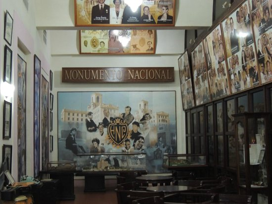Bar Museo La Historia resumida en un lugar.. – Bild von Hotel Nacional de Cuba, Havanna