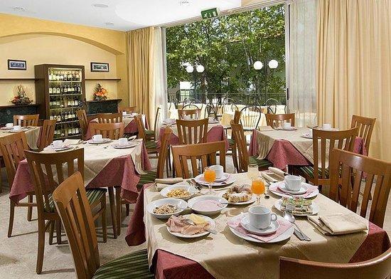 Hotel Savoia Cesenatico Italie Voir Les Tarifs Et