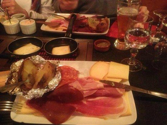 Les Fondus de la Raclette Parmentier Paris  Canal SaintMartin  Restaurant Avis Numro de