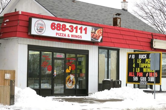 10 buck pizza tillsonburg