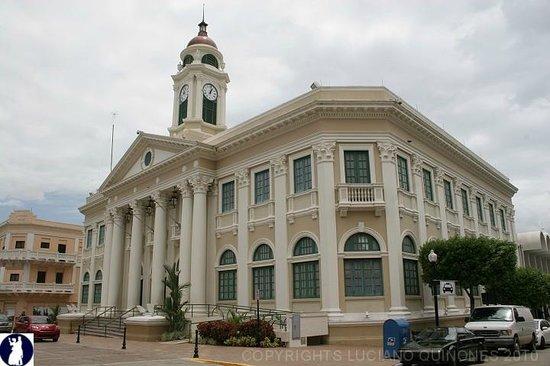 City Hall, just facing the city square - Picture of Plaza Almirante Cristóbal Colón, Puerto Rico - Tripadvisor