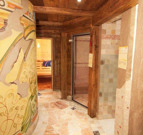 sauna e bagno turco  Picture of Camping Catinaccio Rosengarten Pozza di Fassa  TripAdvisor