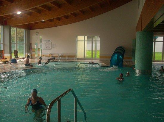 piscina con scivolo  Foto di AcquaIN Andalo  TripAdvisor