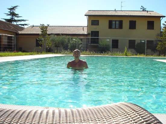 piscina  Picture of Victor Center Hostel Assisi