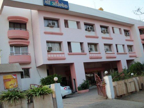 Nonvej Awesome Review Of Hotel Abhishek Baramati India