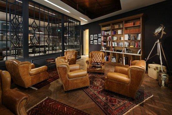 Alfies Cigar Lounge Picture Of Alfies At Jumeirah