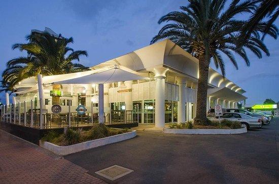 WATERMARK GLENELG Updated 2018 Room Prices  Condominium