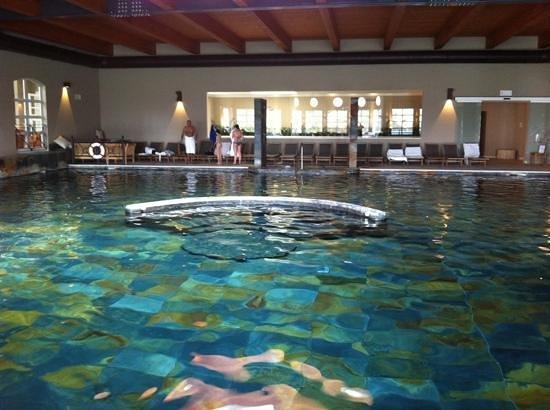 piscina termale interna  Foto di Terme di Relilax Boutique Hotel Spa Montegrotto Terme