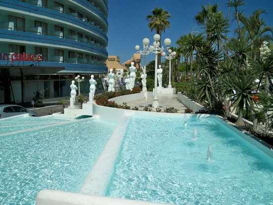 Beach bar - Picture of Mediterranean Palace Hotel (Mare ...