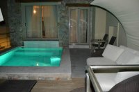 room with private pool - Picture of Antinea Hotel, Kamari ...