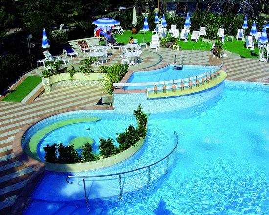 Piscina  Foto di Hotel Cavour Cesenatico  TripAdvisor