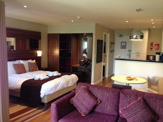 Center Parcs Whinfell Forest Lakeside Apartment 77